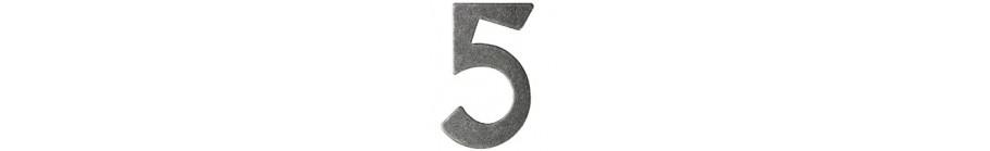 Buchstaben und Hausnummern